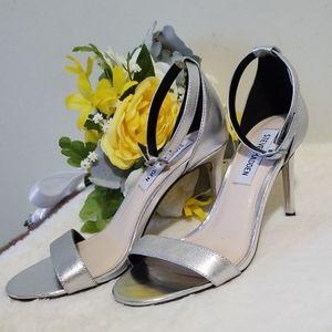 Steve Madden silver dress sandals size 5